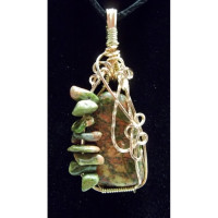 Wire Wrapped Unakite Gemstone Pendant with Unakite Chip Accents